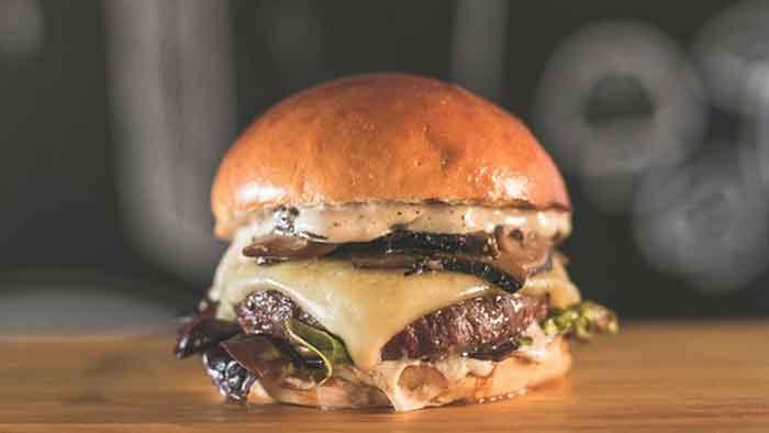 donde-comer-hamburguesas-en-Málaga-Malaka Turismo